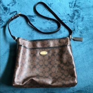 Coach purse, cross body bag